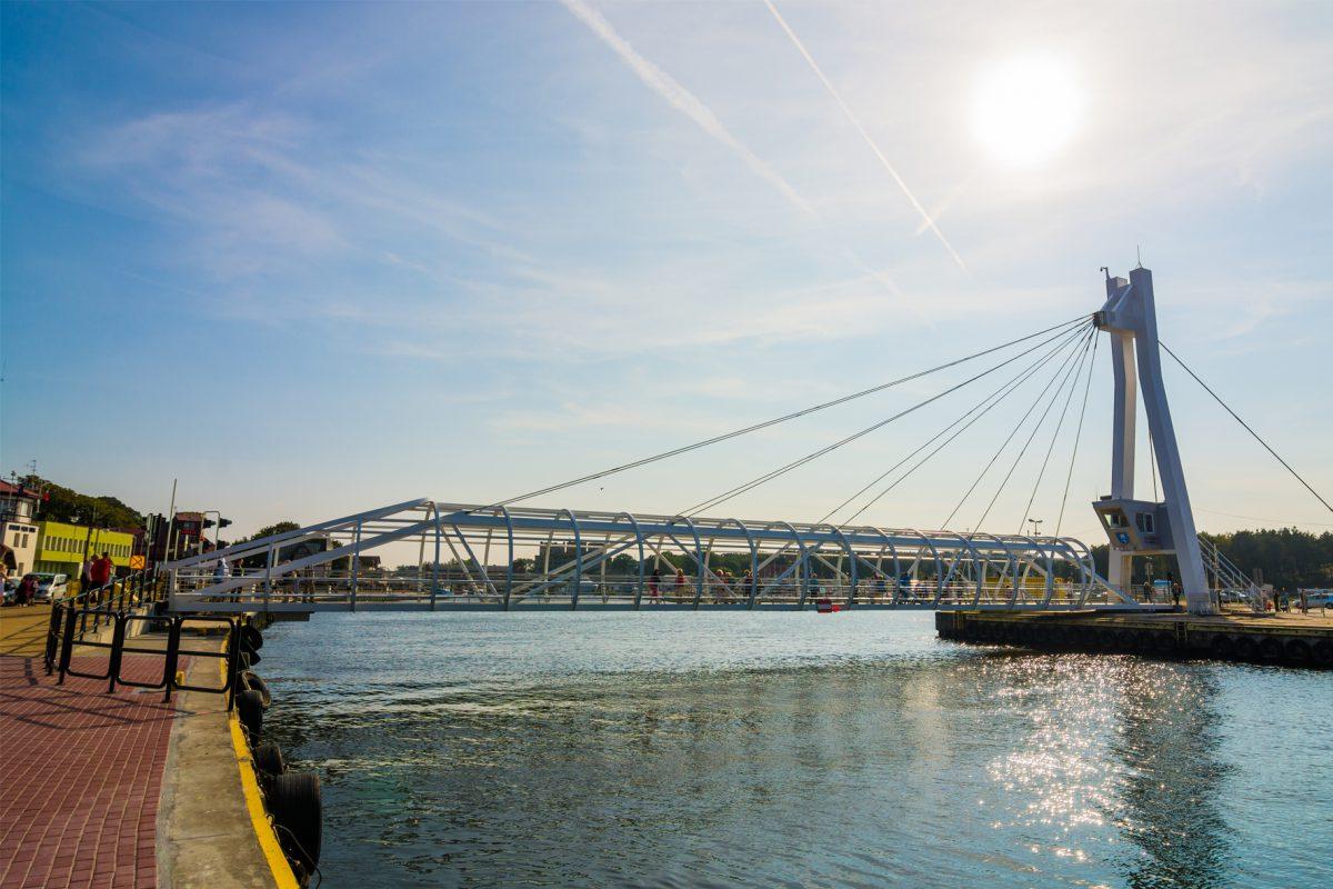 Kładka nad kanałem portowym w Ustce